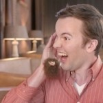 LG сняла самую странную рекламу смартфона — с бородой и ухом на ладони